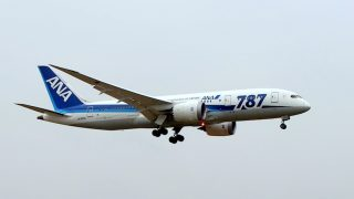 全日空 ( All Nippon Airways ) B787-8 機体番号 JA820A B787-8 型式Boeing787-881 製造番号34511/101 登録2013/06