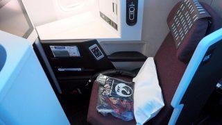 JA703J Boeing 777-246/ER 32891/427 2003/02