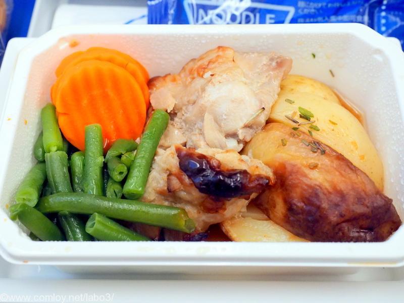 全日空 NH842 シンガポール - 成田 プレミアムエコノミークラス機内食 チキンのロースト ハニーガーリック風味