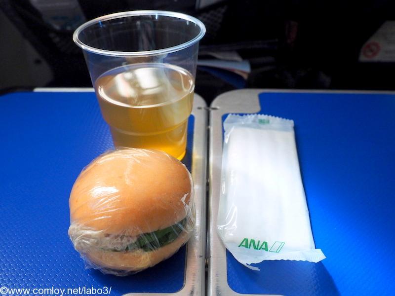 全日空 NH842 シンガポール - 成田 プレミアムエコノミークラス機内食