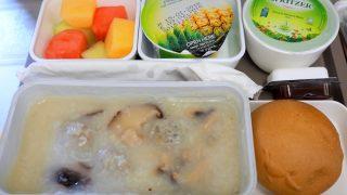 キャセイパシフィック CX767 香港 - ホーチミン エコノミークラス 機内食