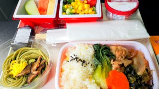 日本航空 JL26 香港 - 羽田 プレミアムエコノミークラス 機内食