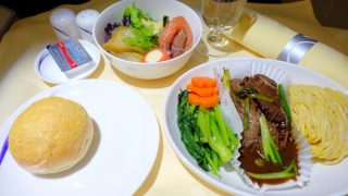 チャイナエアライン CI836 バンコク - 台北 ビジネスクラス機内食 夕食