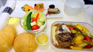 日本航空 JL822 台北 - 名古屋 ビジネスクラス機内食 夕食