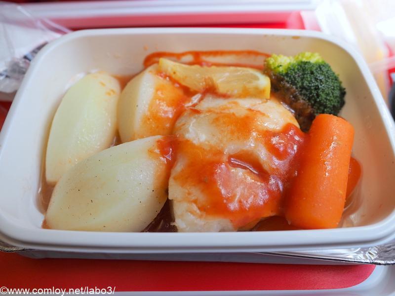 日本航空 JL785 ホノルル - 成田 エコノミークラス機内食 メイン 白身魚のトマト煮