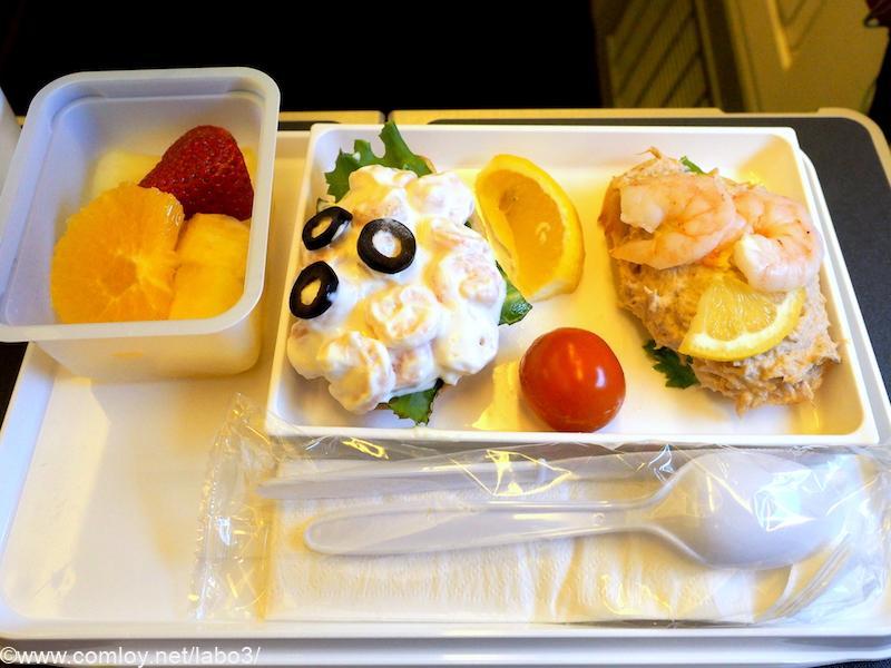 日本航空 JL785 ホノルル - 成田 エコノミークラス機内食 シーフードプレート