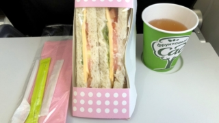 S7 Airlines S7 6282 成田 - ウラジオストク エコノミークラス 機内食