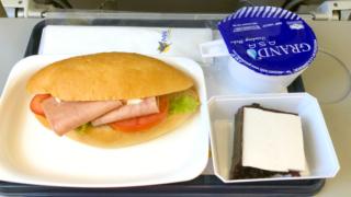 ミャンマー国際航空 8M336 バンコク - ヤンゴン エコノミークラス機内食