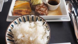 日本航空 JL31 羽田 - バンコク ビジネスクラス 機内食 メインディッシュ
