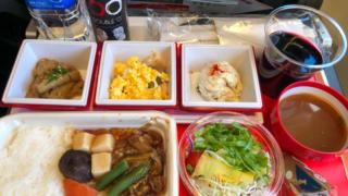 日本航空 JL31 羽田 - バンコク エコノミークラス機内食