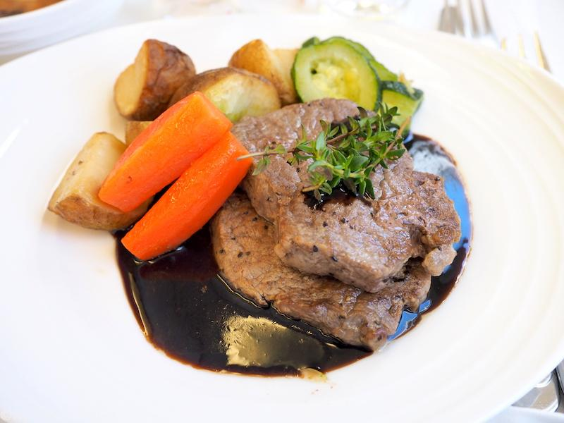 MAIN COURSE 事前予約  Grilled Fillet of Beef with Balsamic Gravy