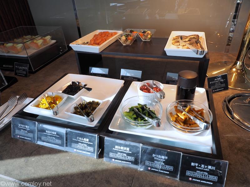 成田空港 JAL ファーストクラスラウンジ 朝食ビッフェ