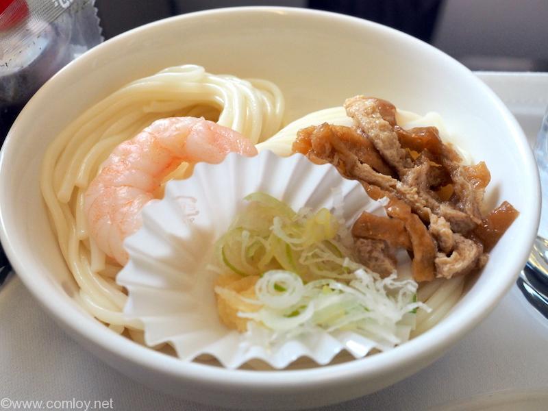 マレーシア航空 MH89 成田 -クアラルンプール ビジネスクラス機内食 SOBA Udon noodles with traditional accompaniments
