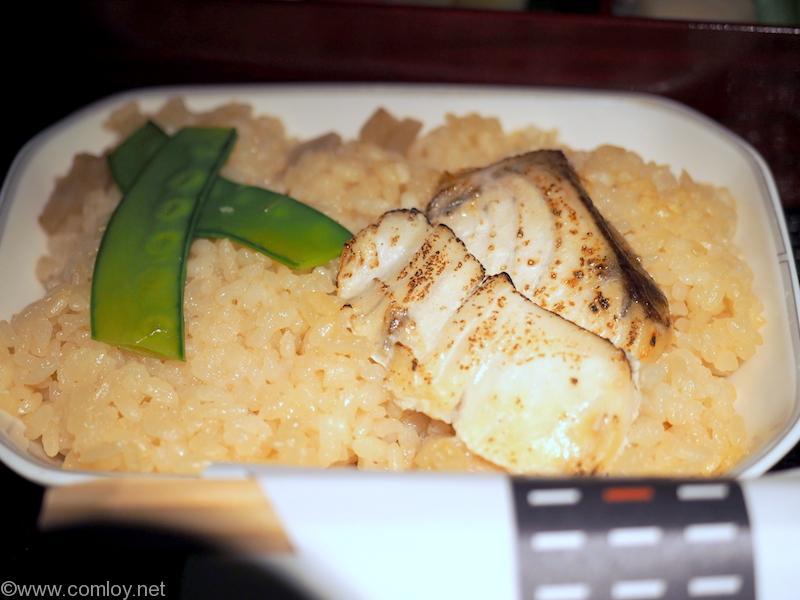 日本航空 JL34 バンコク-羽田 ビジネスクラス機内食 台の物  白身魚の炊き込みご飯