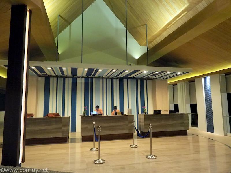 CENTARA GRAND WEST SANDS RESORT & VILLAS PHUKET フロント