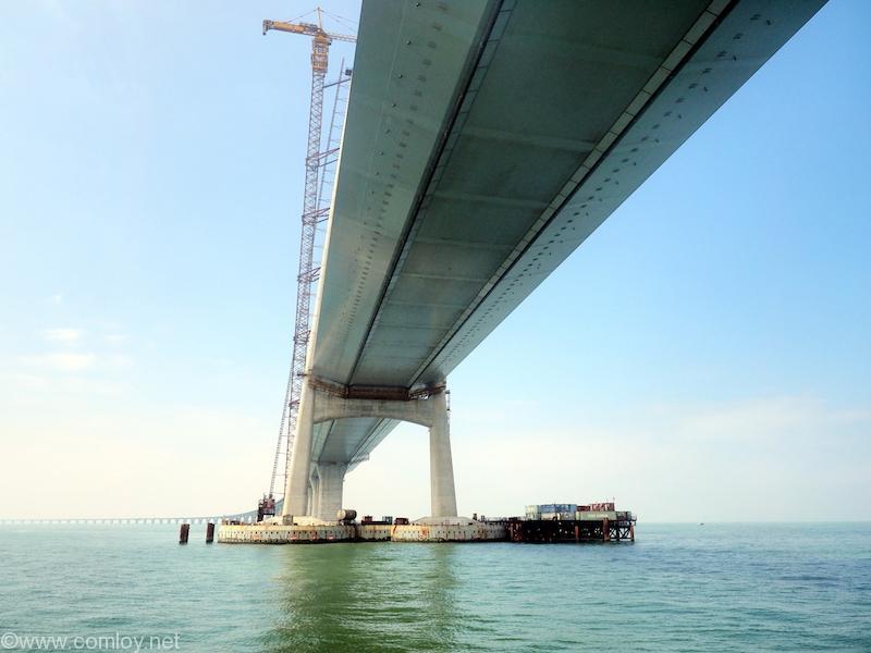 建設中の港珠澳大橋