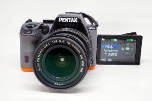 PENTAX K-S2  自分に液晶モニターを向けると自撮りができます