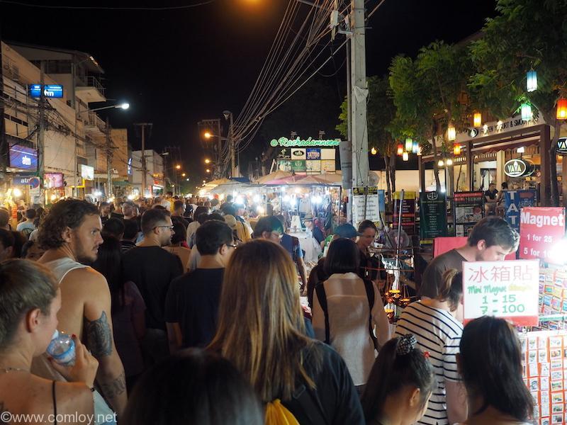 チェンマイ サンデーマーケット