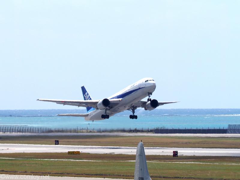B767 離陸 時間帯的には何回も乗った成田行きかな?
