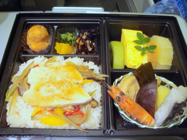 ANA136 沖縄 - 羽田 Super seat premium機内食