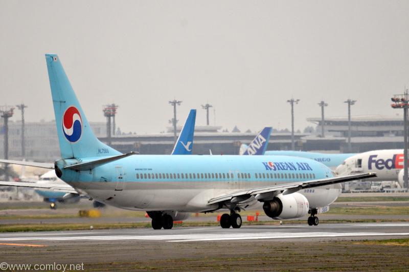 大韓航空 ( Korean Air )B737-900 機体番号HL7569 型式Boeing737-9B5 製造番号29987/999 登録2006/03