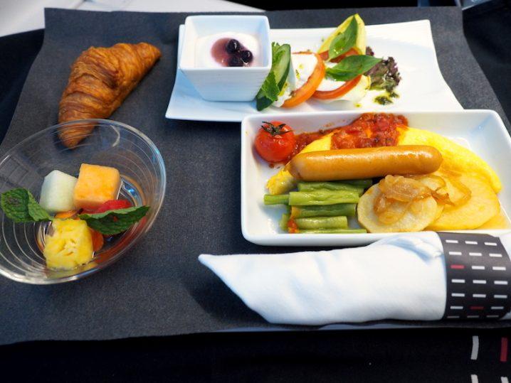 日本航空 JL34 バンコク - 羽田 ビジネスクラス機内食