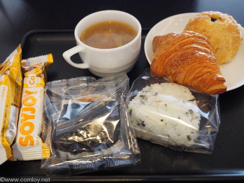 本日の朝食兼昼食?