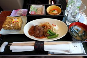 日本航空 JAL915 羽田 - 沖縄 ファーストクラス機内食