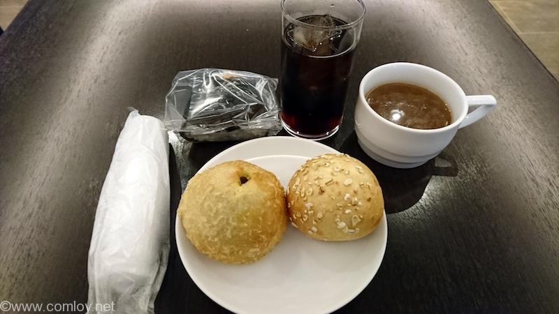 JALプレミアラウンジ 炭水化物定食