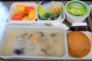 キャセイパシフィック CX768 香港 - ホーチミン エコノミークラス機内食